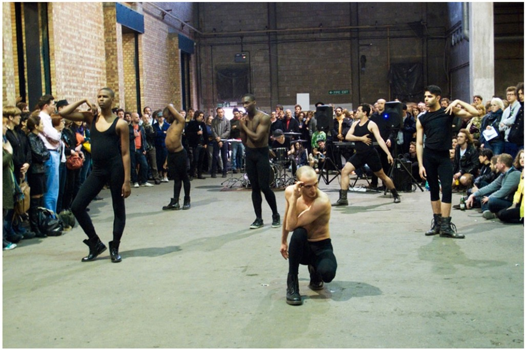 Eddie Peake, Contrapposto Pause, live performance (2011) via http://www.v22collection.com/artists/eddie-peake/